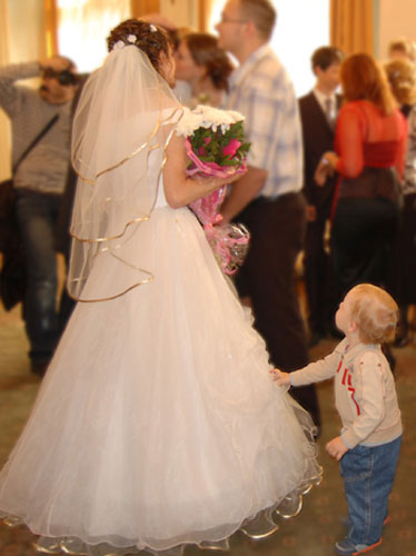 Дети на свадьбах требуют внимания