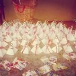 стол с бонбоньерками в подарко гостям в Горно-Алтайске